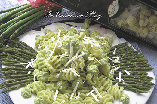 Festoni al pesto di asparagi