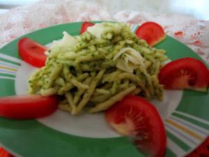 Trofie pistacchie e basilico